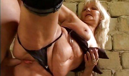 दो महिलाओं, इंग्लिश मूवी सेक्सी जो बाहर दिया था