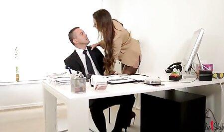 गंदगी बदलने के लिए एक इंग्लिश सेक्सी मूवी हिंदी में कुर्सी पर जुनून