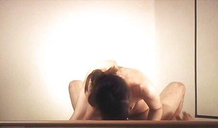 अपने नए प्रेमी के साथ रोमांस का युग सेक्सी इंग्लिश मूवी वीडियो