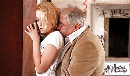 तीन कचरा सेक्स मूवी इंग्लिश फिल्म बेरहमी से दो गलतियों फाड़ दिया