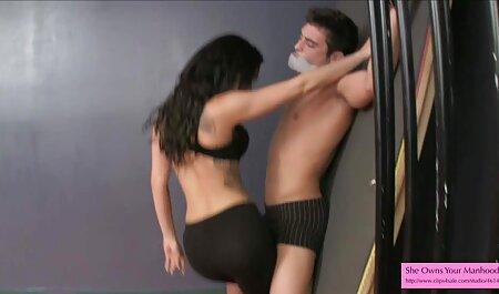 नाइजीरिया से सेक्सी मूवी इंग्लिश में अफ्रीकी महिला के साथ आदमी आरामदायक और उसकी बतख के लिए है