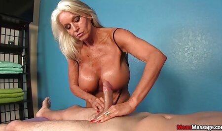 ग्राहकों को एक फुल इंग्लिश मूवी सेक्सी नंगा नाच शुरू