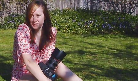नाई ग्राहक से एक महिला को इंग्लिश मूवी सेक्सी वीडियो ले लिया